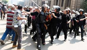 Egypt Police, Protesters Clash in Cairo