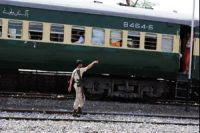 Six die in Pakistan train attack