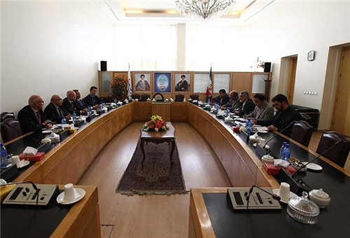 Tehran, Berlin Stress Political Settlement of Syrian Crisis