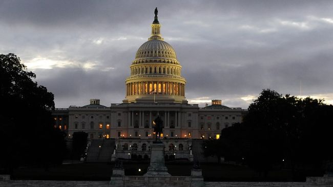 Photo of Poll: Obama down, Congress down more