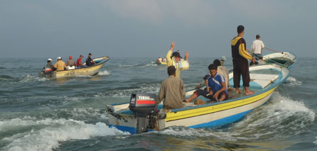 Photo of zionist navy arrests two fishermen