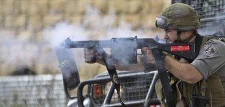 Photo of 15 Palestinians Injured By zionist israeli Fire Near Ramallah