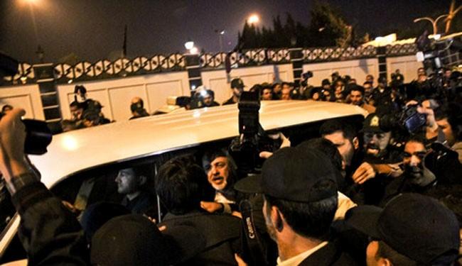 Zarif receives hero's welcome back in Tehran
