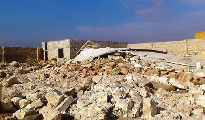 Photo of FSA, ISIL Destroy A Mosque In Aleppo Claiming That The Presence Of A Shrine There Is Disobedience To God