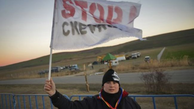 Photo of Romanian police remove anti-fracking protesters