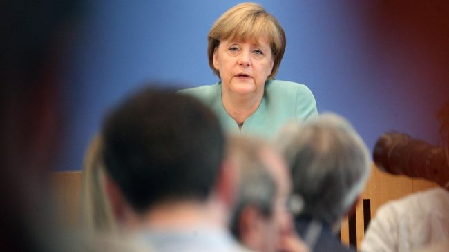 Photo of Merkel agrees to public inquiry into NSA spying