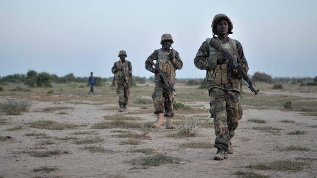345646_Ugandan-soldiers