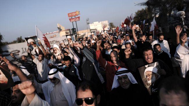 347875_Bahraini-protestors