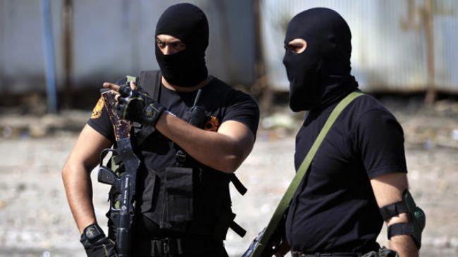 348525_Egyptian-policemen
