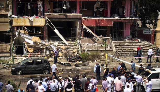 Large car bomb hits central Cairo, 3 dead