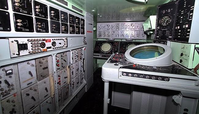 Iran military unveils indigenous missile system simulators