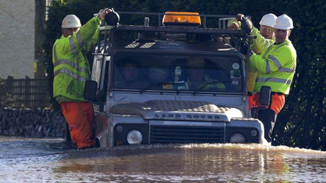 350016_UK-flood