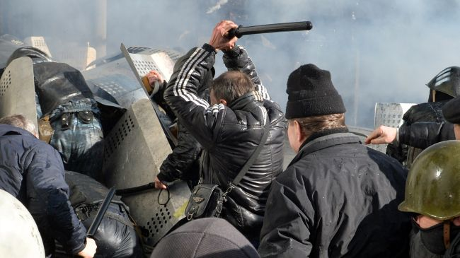 Photo of At least 5 dead, scores injured in Ukraine clashes