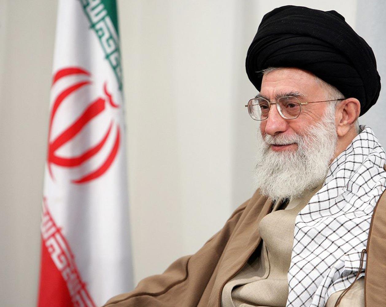 Photo of Leader of Islamic Ummah Imam Sayyed Ali Khamenei Urges Iran's Students to Prepare for 'Cyber War'