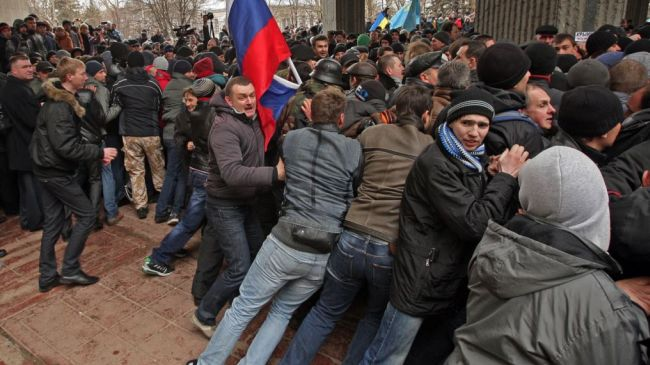 Photo of Violence leaves dozens of protesters injured in Crimea