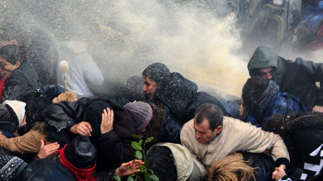 354412_Istanbul-protesters