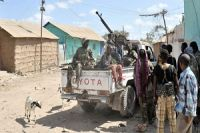 Somali forces wring control of key town in south