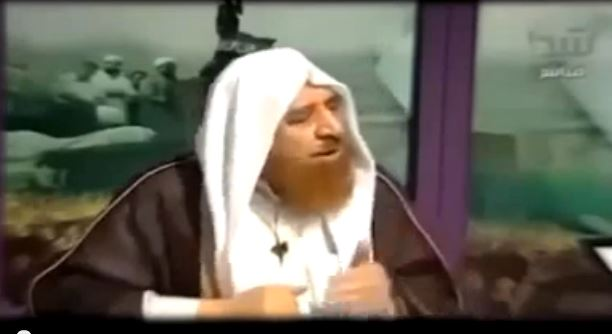 Photo of Video- Zionist Sheikh Adnan al- Arour giving a thank to his father Obama