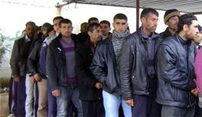 Photo of 25 terrorists surrendered themselves to Syrian Army in Homs