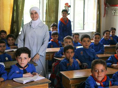 syrianschool_teacher_4x3