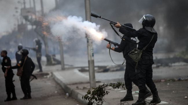 Photo of Violent clashes erupt across Egyptian cities