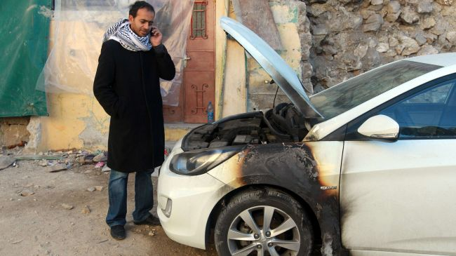 Photo of zionist settlers attack Palestinian cars, homes