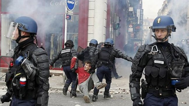 357637_French-police-violence