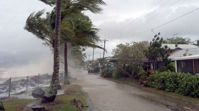 358274_Australia-cyclone-Ita