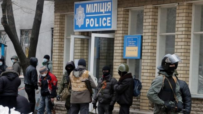 Photo of Tensions spread to Slovyansk in east Ukraine