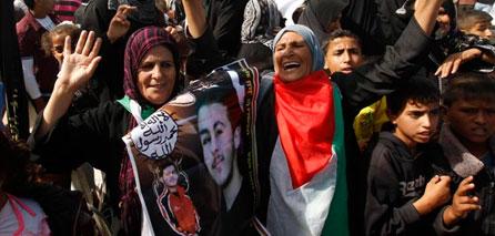 Photo of Gaza celebrates Prisoner's Day to expose Israeli crimes