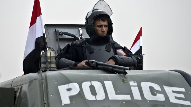 Gunmen kill 2 police officers in Egypt