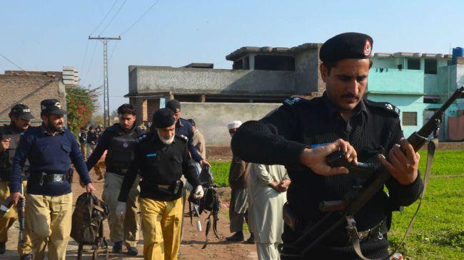 Photo of Gunmen kill 5 policemen in NW Pakistan ambush