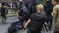Police clash with leftists in Germany