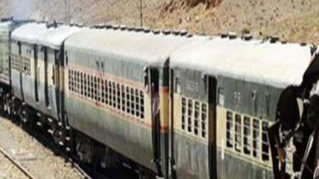 Several killed as militants bomb train in SW Pakistan