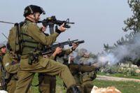 Zionist regime continues siege on WB village