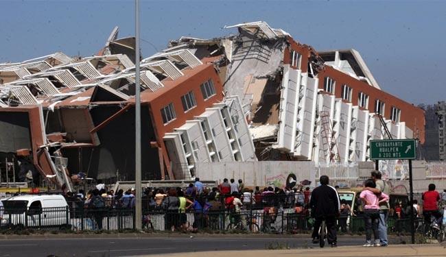 Chile hit by massive 8.2 quake, dislocating 80,000
