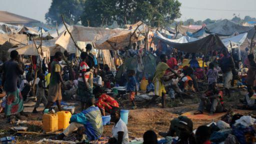 car-crisis-refugee-camp
