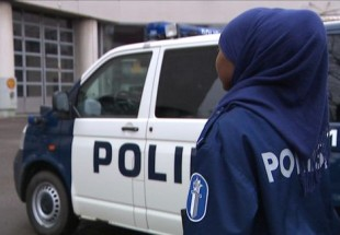 Photo of Finnish Muslims Want Police Hijab