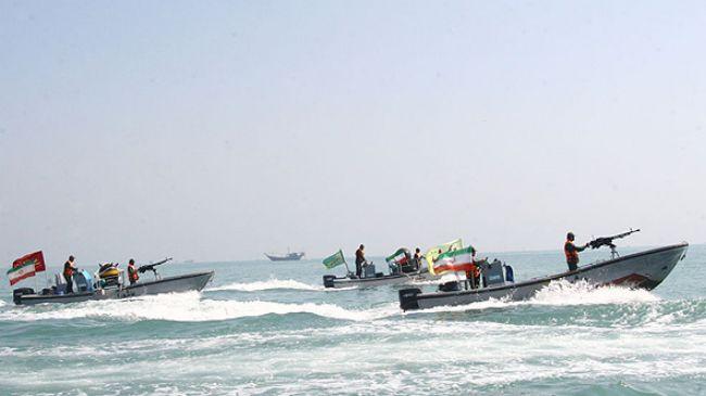 360955_IRGC-Ashura-boats