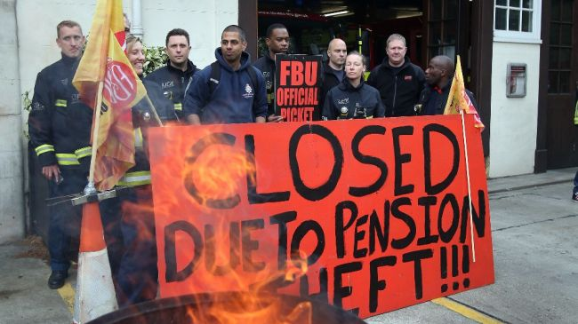 Photo of UK firefighters to begin 4th strike over pensions