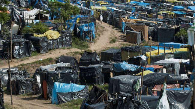 361626_Brazil-homeless-camp