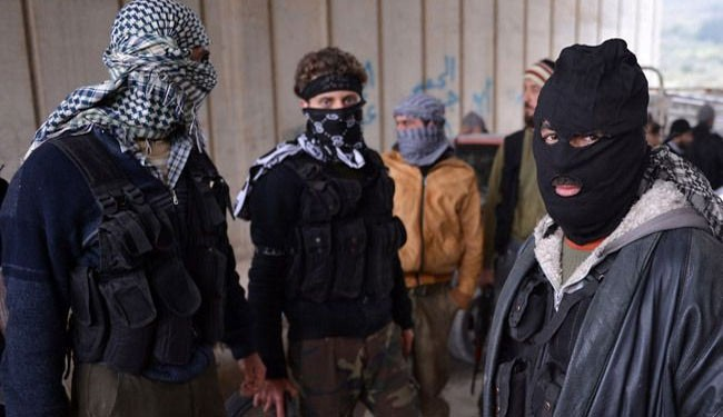Local Syrians revolt against ISIL militants in Aleppo town