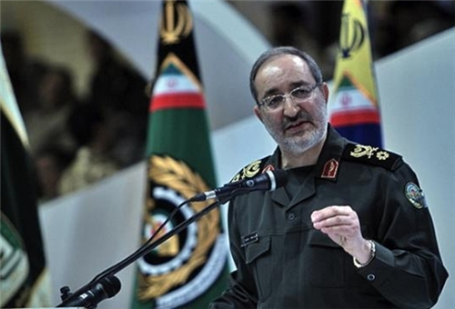 Photo of Commander: Iran Not to Allow US, Others to Cross Redlines, Ready for Encounter
