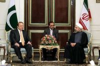 Iran, Pakistan Discuss Ways to Develop Bilateral Ties