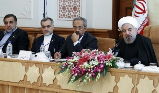 Rouhani Says Iran Remains Insistent on Rights and Achieves Results in Talks with Powers