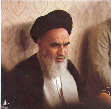 Photo of Men and Women in view of The Father of Oppressed People Imam Khomeini r.a
