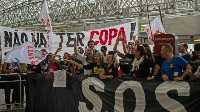 365511_Brazil-teachers-protest