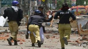 367376_Pakistan-Lahore-clashes