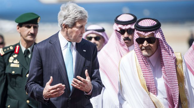 Photo of Zionist Kerry: Syrian militants can help us in Iraq