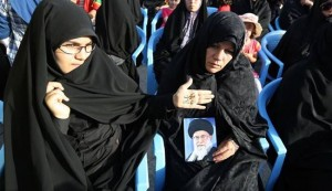 Iranians rally to support Iraqis against ISIL terrorists